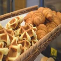 ◆【朝食】『ワッフルとクロワッサン』