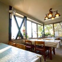 タンポポインの食堂