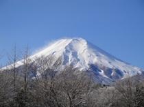 忍野の冬の富士山