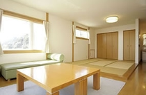 和洋室(キッチン・バス・トイレ付)1室:コンドミニアム