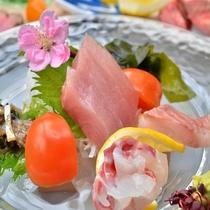 旬の美味しい魚をお造りでどうぞ!