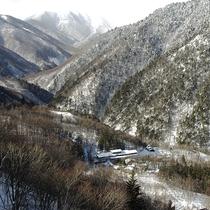 ■冬・白い静穏の谷