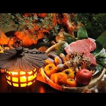 海の味覚と山の味覚。厳選された旬の素材をふんだんに使用して味わい深い季節のお食事をご提供しています。