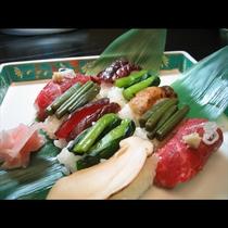 山菜寿司と特産牛寿司