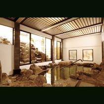 弥五郎の湯はダイナミックに岩を配した岩風呂が自慢です。自然の露天風呂に入っているような気分。
