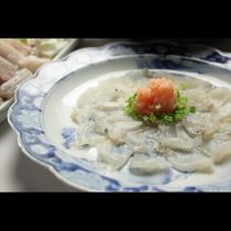 寒い冬に身も心も温まる河豚鍋をご堪能ください。