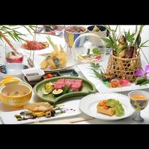 地元野菜に地元牛、当地自慢の食材をビールにも日本酒にも合う味わいにして取り揃えております。