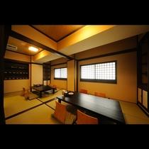 和風居酒屋【浜銀】では広いお座敷席もご用意。足を伸ばしてゆっくりと地元の美味を楽しんでいただけます。