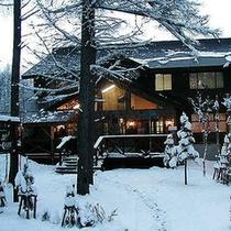 *外観/雪に覆われた景色は、おとぎの国のよう。