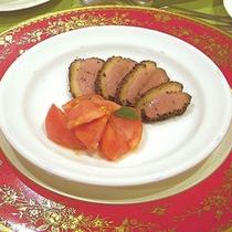 *夕食一例/前菜・鴨肉のパストラミ(燻製)