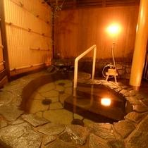 2〜3名様用の貸切露天風呂