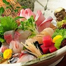 地元鮮魚店より直送!豊穣♪日本海の舟盛付会席(舟盛のイメージ例)