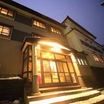 ■【外観】大正ロマン香る、レトロな温泉旅館です。 ※冬イメージ