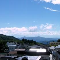 ■眺望モダン和室 窓からの景色一例