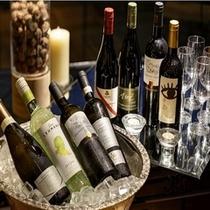 ワインフライト(8種のワインを飲み比べ)