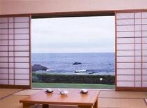 客室から海