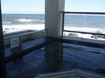 露天風呂と絶景の海