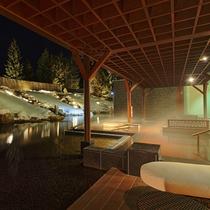 ■冬の庭園露天風呂「森の清流・滝壺の湯」/大浴場湯楽1階