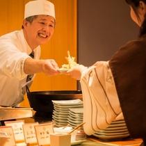 【十勝ビュッフェ」では出来立て料理ををご提供します