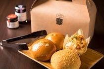 【十勝川ベーカリー】ホテルメイドの焼きたてパンはお土産にもおすすめ
