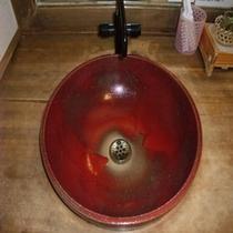 ご婦人大浴場にある手水鉢(男性にもあります)