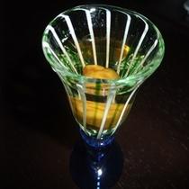 好評の食前酒(梅酒で乾杯)