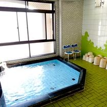 【大浴場】当館6階にある大浴場です。足を伸ばしてごゆっくり♪今日の疲を癒してくださいね。