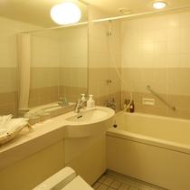 ツインルーム トリプルルーム バスルーム