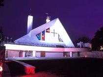 ザビエル記念聖堂(夜)は土曜・日曜のみライトアップされています。