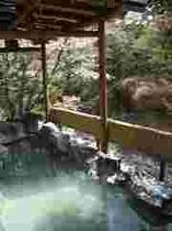 110422-風呂と川1