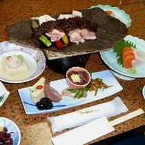 *豚肉の朴葉味噌焼き(料理一例)