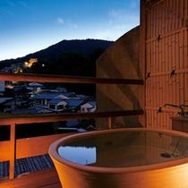 【露天風呂付客室】金刀比羅宮や四季の情景を眺める客室露天風呂(409号室・一例) ※指定はできません