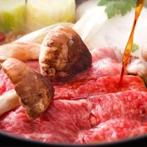 松茸と牛肉のすきやき鍋(一例)