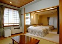 本館 和洋室 ベット3+和室6畳間バストイレ付