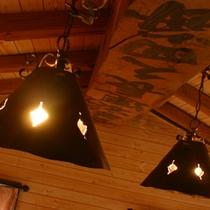 *コテージタイプ一例/室内は木のぬくもりが感じられる温かい雰囲気。