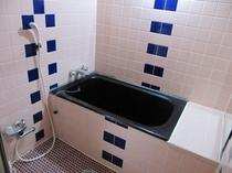 和室広い浴槽