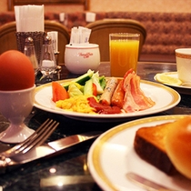 <朝食バイキング>(洋食一例)