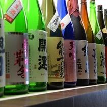 地元の佐賀を中心に全国のお酒が揃う
