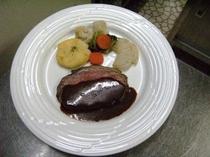 夕食季節の野菜のせローストビーフ No1