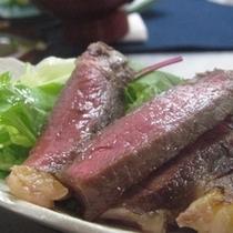 みんな大好きお肉料理♪ 国産牛を使用しておりますので旨みがぎっしり♪ 写真は過去の調理例です。