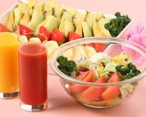 朝食(サラダ・フルーツ)
