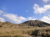 秋の阿蘇登山道①