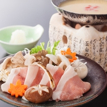 津山黒豚きのこ味噌鍋(9月~11月)