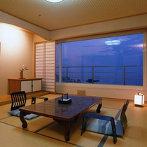 ホテルシーモアで1番人気の明るい陽光差込む海を正面に望む和室