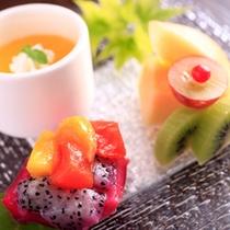 お食事の〆めにはデザートのお楽しみ・・ダイニング仁三郎