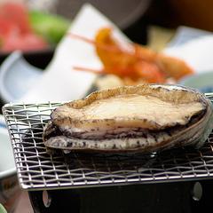 【プチ贅沢】人気の4食材「伊勢海老・鮑・ズワイガニ・牛」からメイン料理をチョイス!