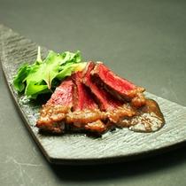 国産牛ステーキポルチーニソース