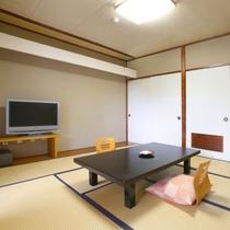 【4階和室】10畳の広さに広縁があります。眺めは最高♪