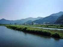 千曲川のほとり