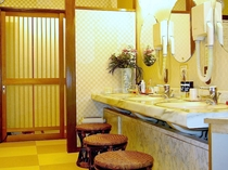温泉浴場 脱衣室(男湯)